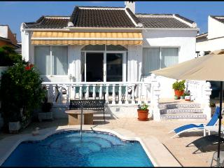 Casa Carter, La Siesta, Torrevieja, 03184 FreeWiFi - Spain vacation rentals