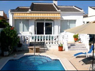 Casa Carter, La Siesta, Torrevieja, 03184 FreeWiFi - Spain vacation rentals