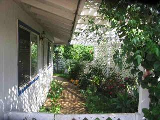 MeetMeOnMaui ~ Cottage 1 Block to Beach, $69/nt ! - Kihei vacation rentals