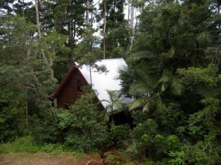 Romantic Rainforest Cottages 40 min from city - Mount Glorious vacation rentals