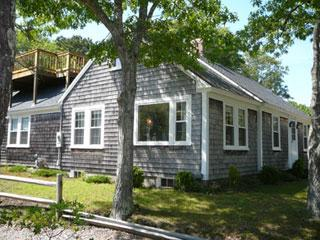CAPE COD CHATHAM CHARMER: 2 MIN. TO THE BEACH! - East Harwich vacation rentals