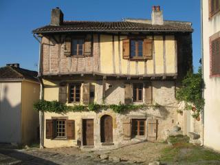 Gandalfs house Fort  Bellac - Limousin vacation rentals