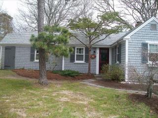 Dennis Seashores Cottage  6 - 2BR 1BA - Dennis Port vacation rentals