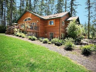 Beautiful Northwest Traditional Home! - (Sportsman's Lodge) - Friday Harbor vacation rentals