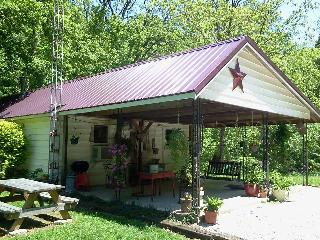 2 bedroom, river-side cabin, near Shoals IN - French Lick vacation rentals