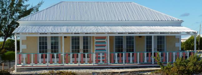 Shipwreck Suites 1 & 2 - Castaway--on North Beach - Salt Cay - rentals