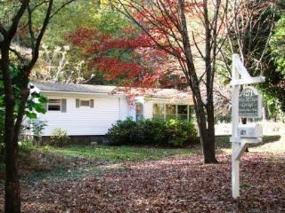 Walk to White Oak Canyon Hiking Trail & Falls - Madison vacation rentals