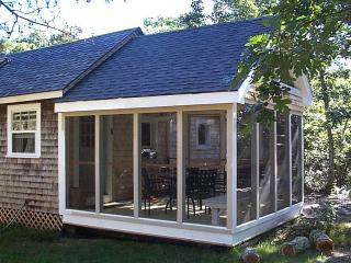 SWEET SUMMER COTTAGE - No pets, No smoking - Edgartown vacation rentals