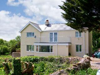 LLECHA, family friendly, country holiday cottage, with a garden in Colwyn Bay, Ref 7103 - Rowen vacation rentals