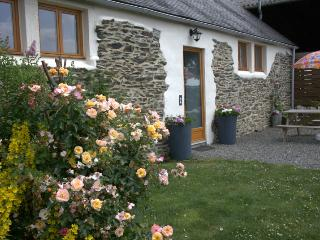 Rural Escape, easy access to Western Brittany - Plonévez-Porzay vacation rentals