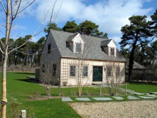 3 Bedroom 3 Bathroom Vacation Rental in Nantucket that sleeps 6 -(9996) - Nantucket vacation rentals