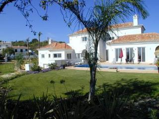 Luxury 5 bed villa overlooking Quinta do Lago - Fuzeta vacation rentals