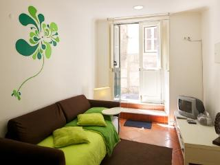Apartment in Lisbon 98 - Alfama - Setubal vacation rentals