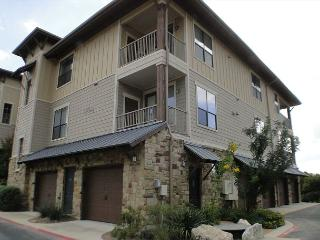Tranquil 3 Bdr condo with top of the line amenities in a spectacular location - Spicewood vacation rentals