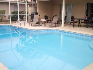 1-1/2Blks to the Beach(3min Walk!)3BR2B w/Htd Pool - Marco Island vacation rentals
