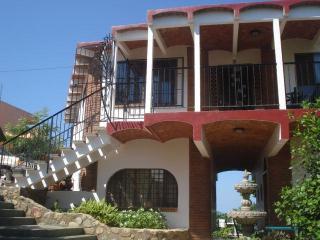 Casa Dos Vistas - La Peaita de Jaltemba vacation rentals