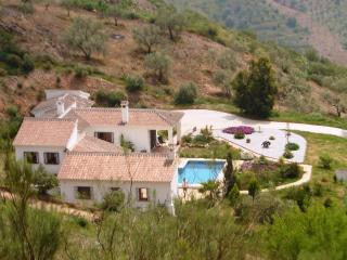 Country home for 6 with stunning sea views - Moclinejo vacation rentals