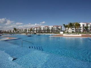 Nick Price Golf Course Beachside Condo – Cielo - Playa del Carmen vacation rentals
