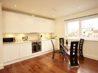 The Grosvenor 2 Bedroom 1 Bathroom Apartment - London vacation rentals
