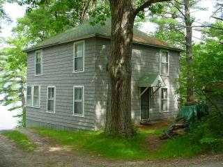 Oceanfront Cottage with private beach-Pet friendly - Harpswell vacation rentals