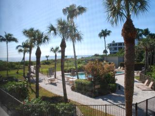 Gulf Front Complex, Renovated 2 Bd Condo Free Wifi - Sanibel Island vacation rentals