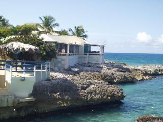 Tres Belle Villa - Hillside vacation rentals