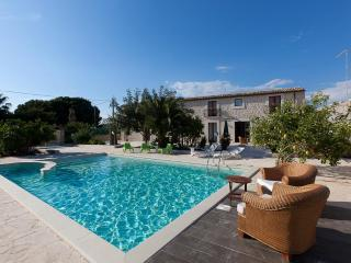 Guesthouse U Marchisi BnB with pool and wifi in Scicli - Marina Di Modica vacation rentals