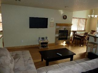 3 Bedroom, 3 Bath Hot Tub, WiFi,Pool From $99.00! - South Lake Tahoe vacation rentals