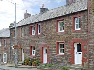 EDEN COTTAGE, pet friendly, luxury holiday cottage, with a garden in Appleby-In-Westmorland, Ref 7224 - Great Strickland vacation rentals