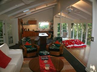 Cozy Surf Cottages above Sunset Beach & Pipeline. - Haleiwa vacation rentals