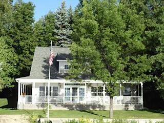 Cottage on Grand Traverse Bay, Traverse City, MI - Suttons Bay vacation rentals