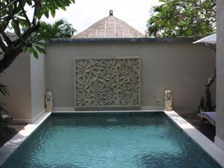 Villa Bhujangga...big, beachside garden paradise! - Canggu vacation rentals