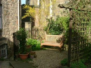 Duncan's Land Apartment - Edinburgh vacation rentals