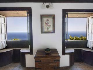 La Casita, romantic cottage with stunning sea view - La Palma vacation rentals