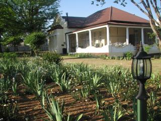 Absolute Leisure Cottages Machado House - Machadodorp vacation rentals