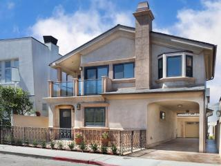 Elegant  Newport Villa! 3 Houses To Sand! - Newport Beach vacation rentals