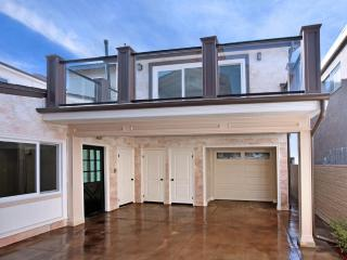 Classy-Upscale Balboa Bungalow! Steps 2 Sand! - Newport Beach vacation rentals