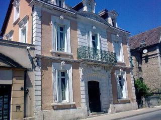Centre Sarlat Dordogne Elegant Townhouse Sleeps 6 - Sarlat-la-Canéda vacation rentals