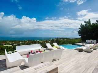 TURQUOZE...fabulous contemporary 4BR with breathtaking views over Orient Bay - Orient Bay vacation rentals
