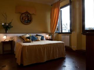 Piazza Suite Florence apartment to let, Florence apartment for rent, Florence flat to let, apartment in Florence - Pontassieve vacation rentals