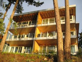 The OceanVilla at Brentwood Bay Resort & Spa - Victoria vacation rentals