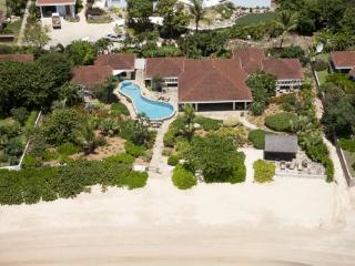 Beachcomber at Mahoe Bay, Virgin Gorda - Beachfront, Gourmet Kitchen, Guest House - Mahoe Bay vacation rentals