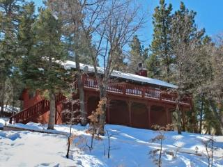 Whispering Heights Cabin a fantastic, relaxing vacation cabin in the Moonridge area of Big Bear Lake - Reedley vacation rentals