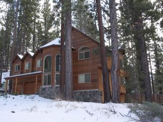 6 BR Lux Chalet w/ Pool Table, Hot Tub & Jacuzzi - South Lake Tahoe vacation rentals