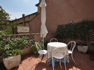 Penthouse Navona,Stunning rooftop view, terrace - Castrocielo vacation rentals