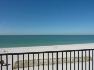 ISLAND INN, Beach Resort Gulf Front Studio - Treasure Island vacation rentals