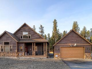 Upscale Summer-Cabin|Pool Table, Wi-Fi, Hot Tub,Pool |Slps10|Summer Specials - Cle Elum vacation rentals