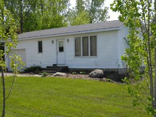 Bayfield, Ontario area. 2 bedroom cottage - Zurich vacation rentals