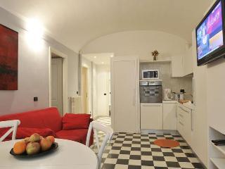 Rome Vacation Rental near Colosseum Roman Forum - Rome vacation rentals