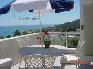 2 bedroomed cottage overlooking Camps Bay beach - Camps Bay vacation rentals